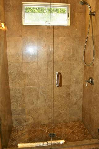 Custom bathrooms by DM Building INC.