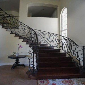 Radius staircase with newel front view
